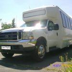 Автобус Форд на 32 места, внешний вид