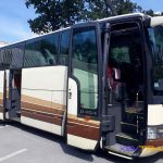 Автобус Мерседес внешний вид с открытыми дверями